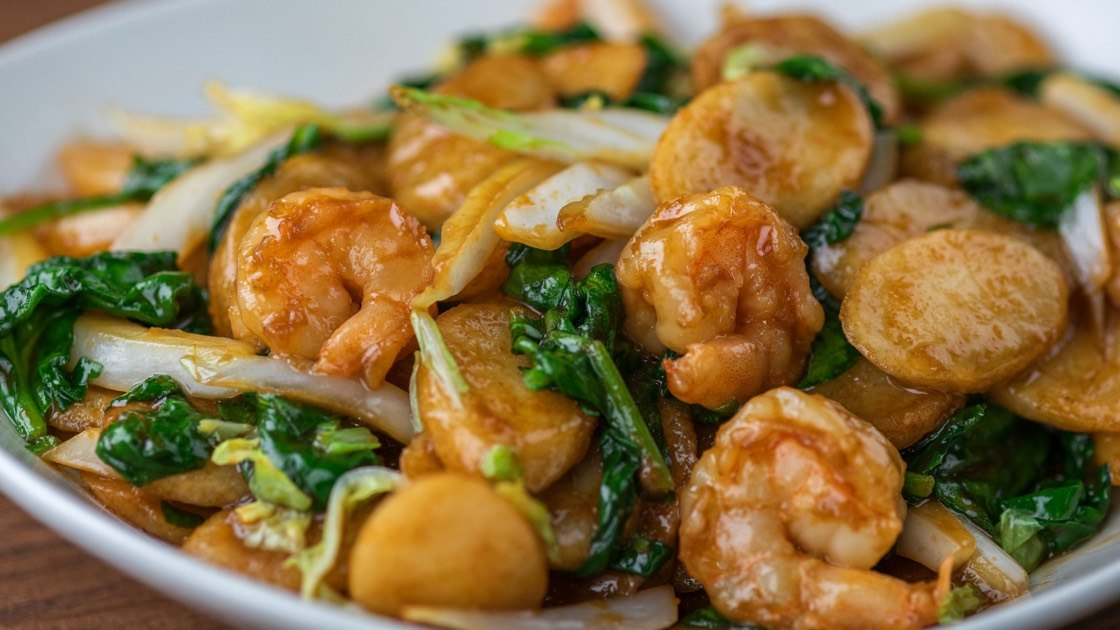 Shanghai Rice Cakes with Shrimp, close up